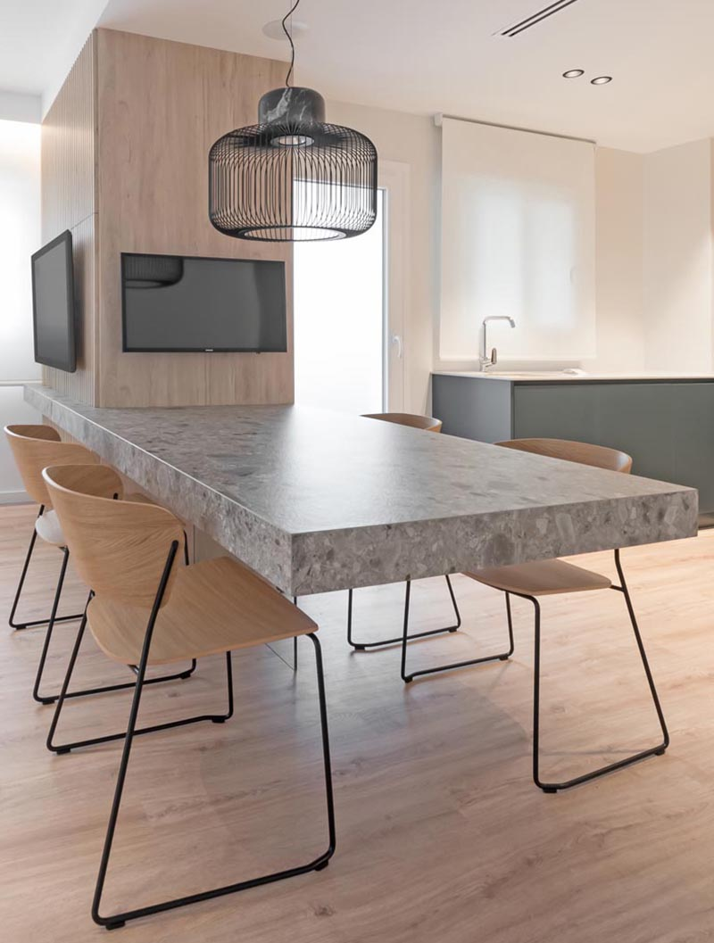 A metal substructure together with a glass plane placed underneath is responsible for maintaining the weight of this cantilevered dining table. #DiningTable #Cantilevered #CantileveredDiningTable #InteriorDesign