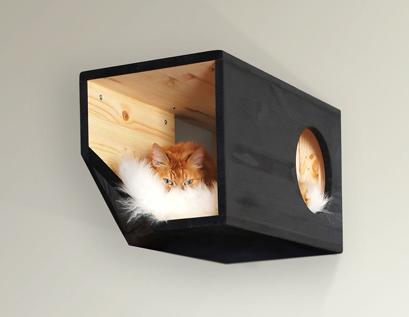 Ilshat Garipov of Catissa has designed a collection of modern cat beds and modular cat houses, that are made from pine wood and finished with sheepskin or faux fur. #ModernCatBed #ModernCatFurniture #ModernPetBed #ModularCatFurniture #CatBed #PetFurniture